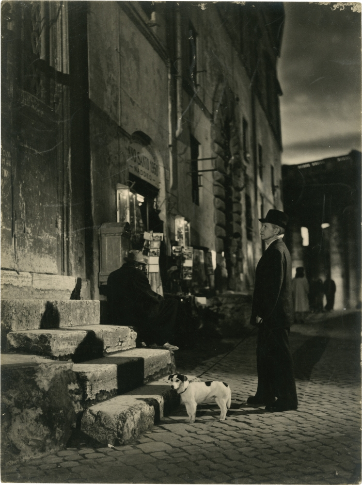 Umberto D. Vittorio De Sica, Angelo Pennoni, Cesare Zavattini, Carlo Battisti, Virgililo Marchi, director, photographer, screenwriter, starring, set designer.