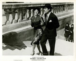 Divorce Italian Style (Collection of 6 photographs from the 1961 film). Pietro Germie, Divo...