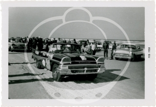 Twenty-four vernacular photographs from the final NASCAR race on Daytona Beach, 1958