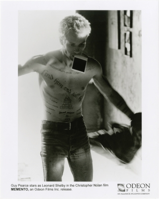 Memento (Collection of 5 original photographs from the 2000 film). Christopher Nolan, Jonathan...